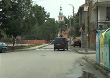 Пешеходните пътеки на булевард Христо Ботев са направени така, че ги виждат  само шофьорите, които се движат само в едната посока