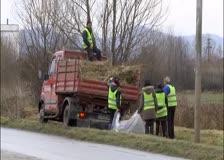 За първи път от много години районът около пътя за Трудовец се почиства основно